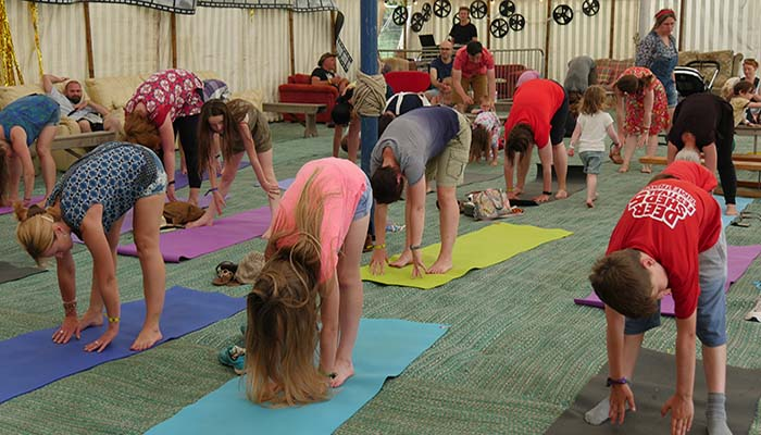 Go yoga – Family Yoga Rave
